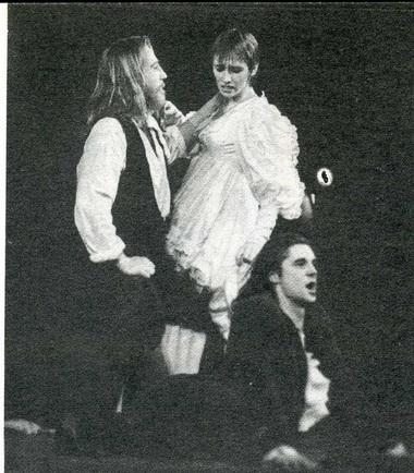 А.Латенас (Дон Гуан), В.Куодите (Лаура) иТ.Чижас (Дон Карлос). «Моцарт иСальери. Дон Гуан. Чума». Фестиваль «LiFe». Фото П. Маркина