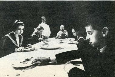 «Ловушка». Сцена изспектакля Polnisches Theater, Вроцлав. Фото С. Околовича