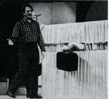 Г.Тростянецкий нарепетиции спектакля «Оскар!». Петрозаводск, 1994. Фото И. Георгиевского