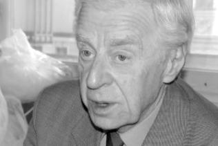 90ЛЕТ МАСТЕРУ В.В.ПЕТРОВУ